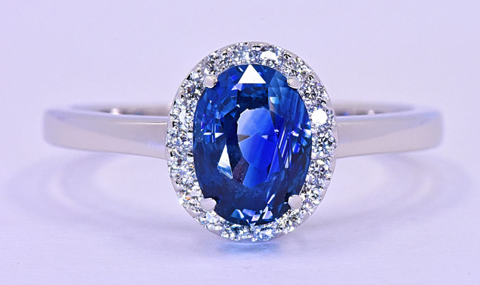 1.47 Ct Sapphire with Diamonds, rosette ring ***NO RESERVE price!***