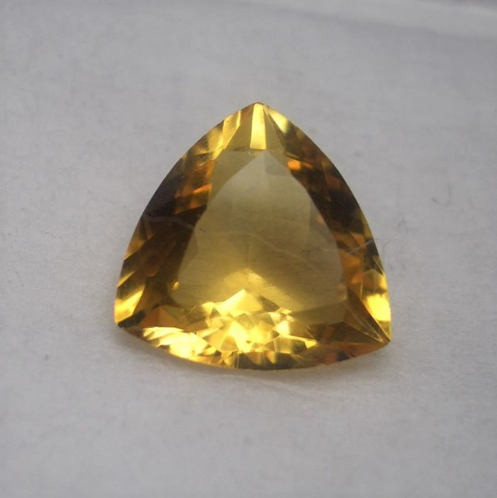 Citrine in triangle cut 4.71 ct