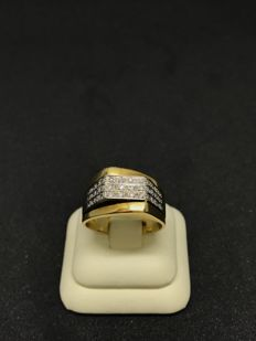 18 kt yellow and white gold ring with diamonds