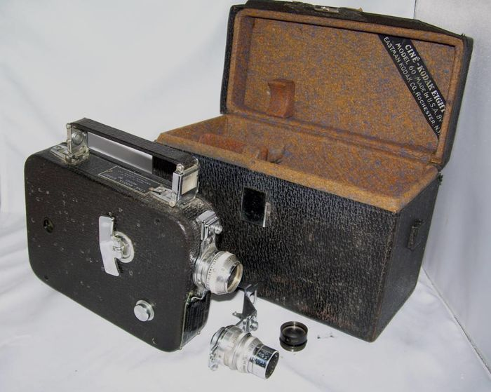 Splendid CINÉ-KODAK EIGHT MODEL 60 double-8 film camera