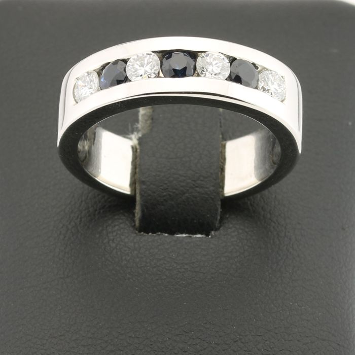 Ring in 18 kt white gold with diamonds and sapphires - 58 (EU)