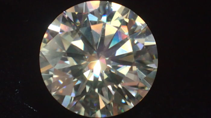 Round Diamond 3.01 ct, F colour, VS2 quality, IGI certified, LOW RESERVE PRICE !!!