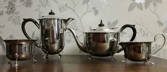 Silver plated 4 piece vintage tea set with scalloped edge