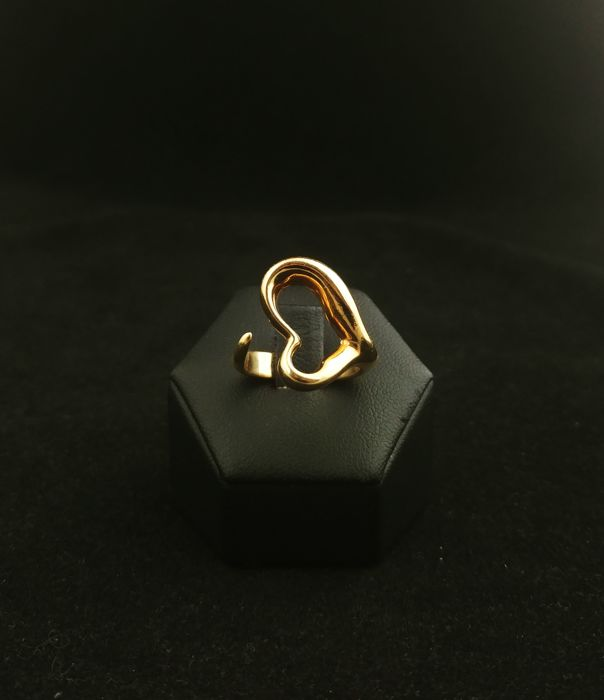 Tiffany heart-shaped ring in 18 kt gold - Designed by Elsa Peretti