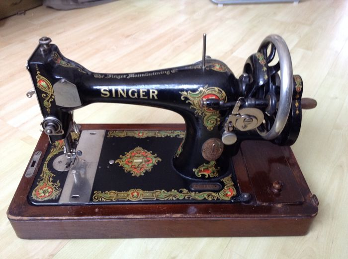 Singer 40K Hand Sewing Machine With Beautiful Wooden Cover 40 Cool 1920 Sewing Machine