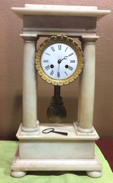Portico alabaster clock – French, 19th century