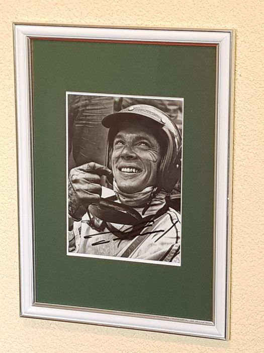 Dan Gurney (RIP) - hand signed framed famous portrait photo  + COA