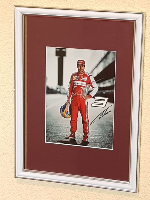 Fernando Alonso - 2x Worldchampion Formula 1 - hand signed official Ferrari framed photocard + COA.