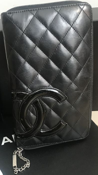 6c03b8e6648bd8 Chanel - Cambon Wallet - Catawiki