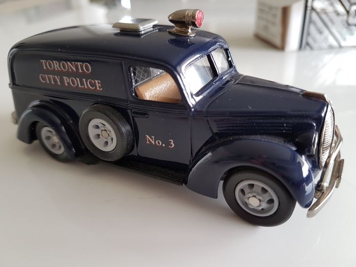 Police Car Auction Toronto >> Durham Classics Scale 1 43 Ford Paddy Wagon Toronto