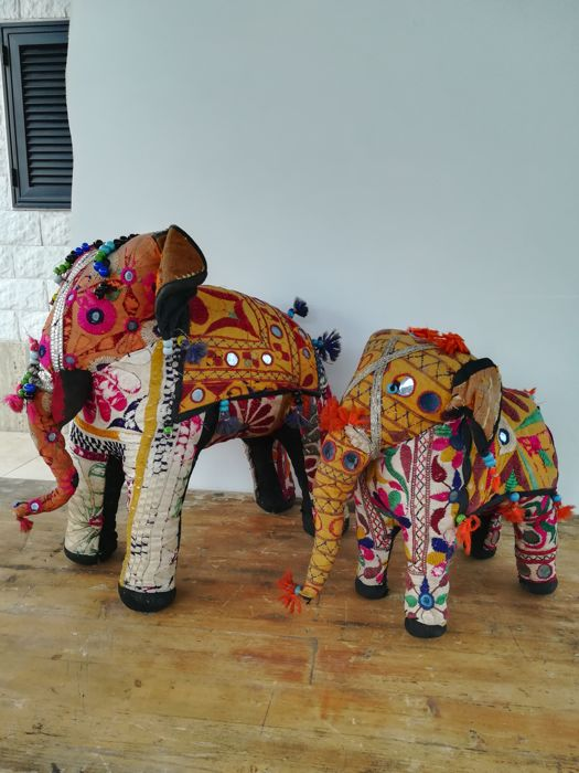 Two large Indian elephants - genuine handmade - 1990s
