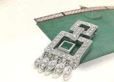 Pendant in 18 kt white gold with brilliant-cut diamonds totalling 0.22 ct and an emerald of 0.15 ct
