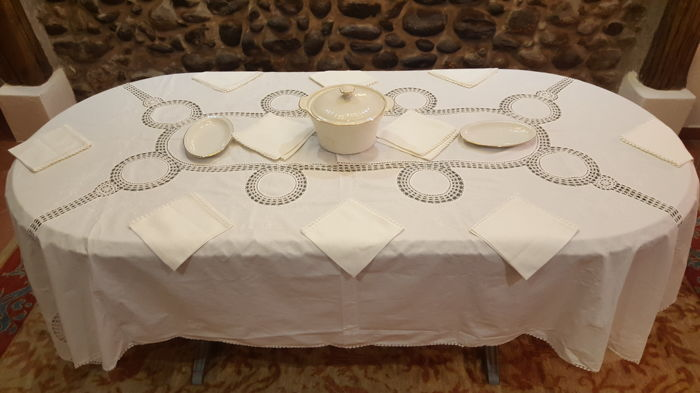 Very Large Rectangular Tablecloth Made By Hand With White Embroidery And  Crochet   12 Napkins