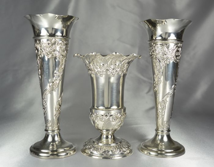 Three silver vases, made in the UK, Sheffield, London, Mappin & Webb 1897-1906