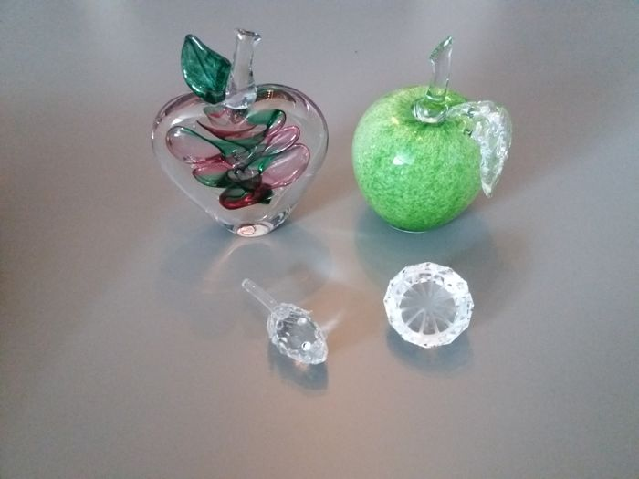 4 Bohemian crystal pieces of fruit