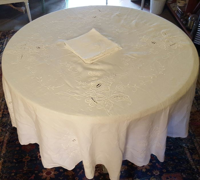 Round XL tablecloth XL handmade embroidery, cutwork and hemstitch - 5 napkins - 185 cm in diameter