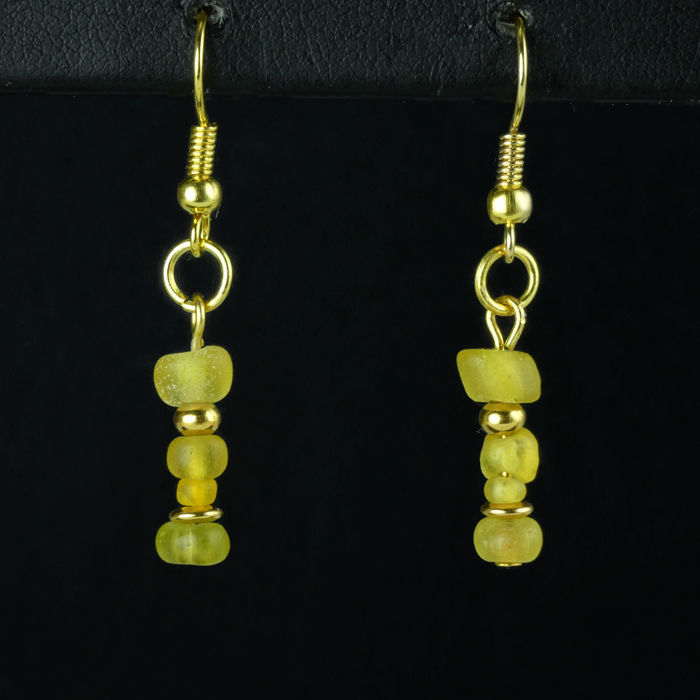 Ancient Roman Glass Earrings with yellow glass beads - (1)