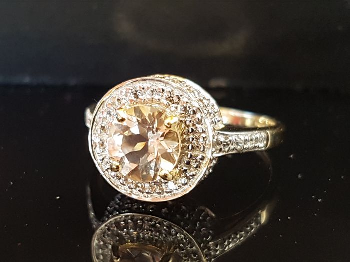 Exclusive morganite gold ring