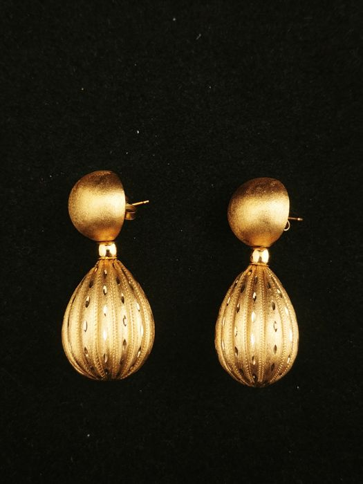 1970s Italian earrings in 18k gold