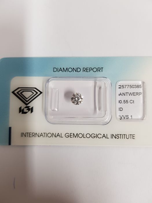 Diamond of 0.55 ct, D VVS1 certified by IGI