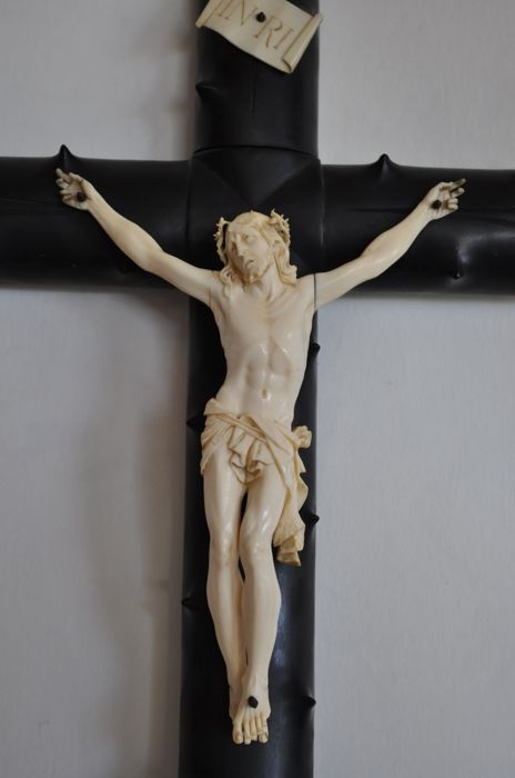 Crucifix - Christ in carved ivory - France - 19th
