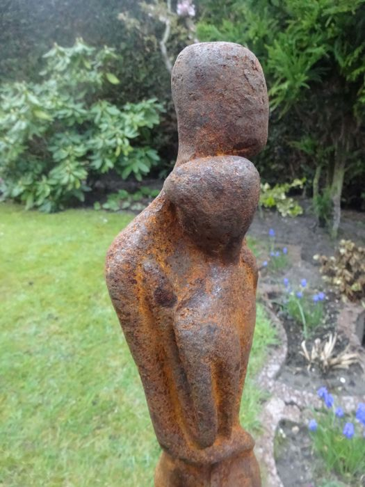 Beautiful Old Cast Iron Garden Statue   A Man And A Woman Locked In An  Embrace!