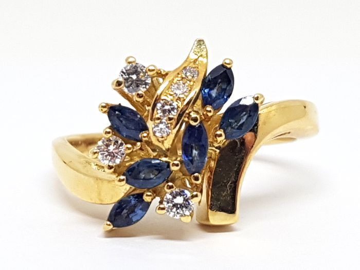 Diamond and Blue Sapphire Ring total: 0,79ct. - size 56 / 17,75mm