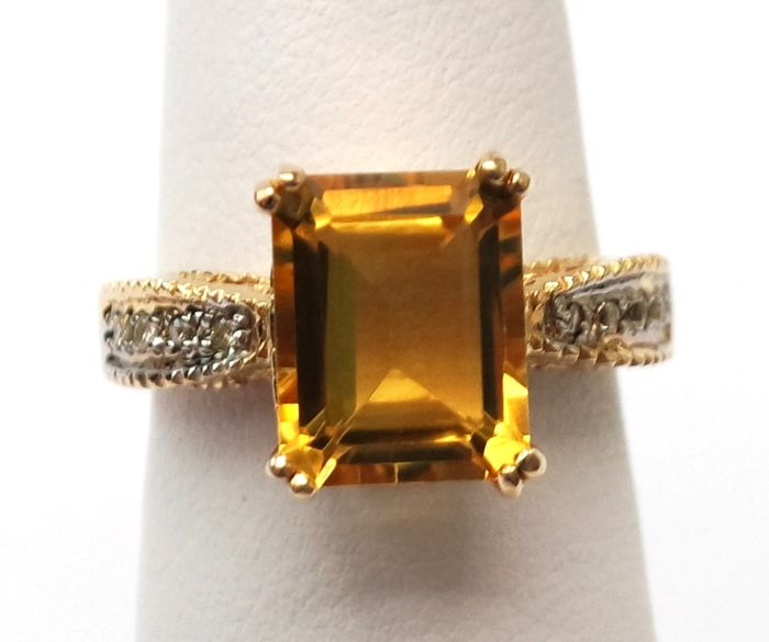 14ct yellow gold Octagon Citrine & Diamond ring. Size N