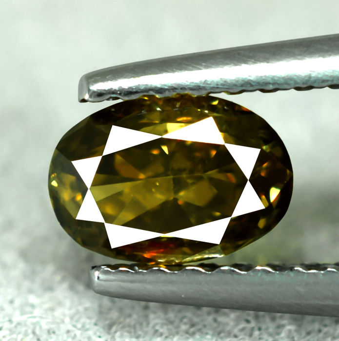 Natural Intense Greenish Yellow Diamond - 0.68 ct, NO RESERVE PRICE