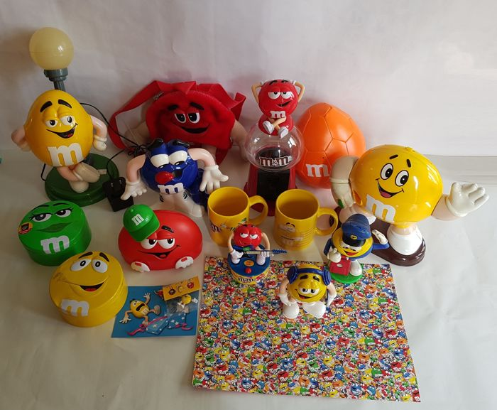Very large collection of M&M's Characters and other Collectibles - Collectors items M&Ms - various rare models