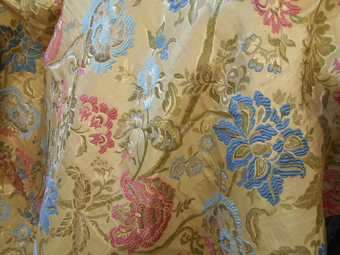 Large beautiful San Leucio cloth, silk effect with floral decor - 2.80 x 2.80 mt