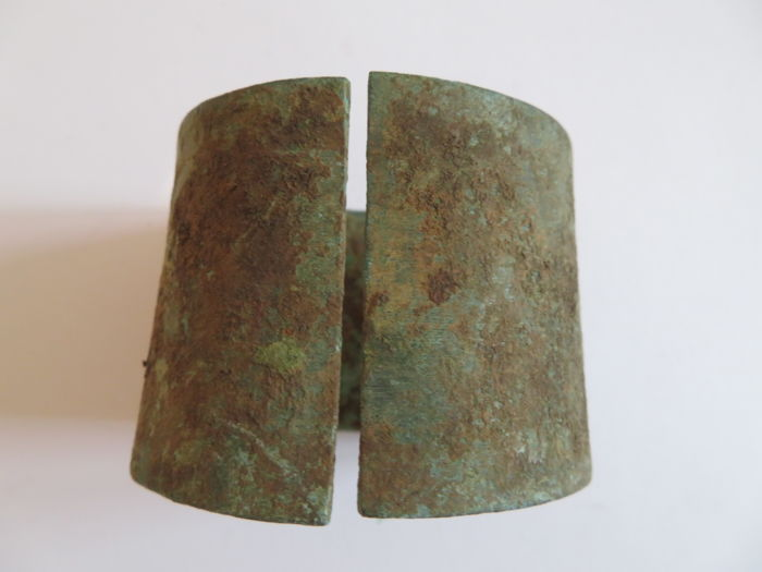 A very rare  bronze bracelet with ancient patina - D : 67  mm