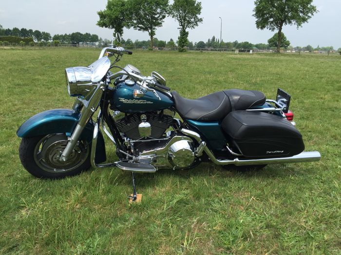 Harley-Davidson - FLHRSI - Road King Custom - 1450 cc - 2004