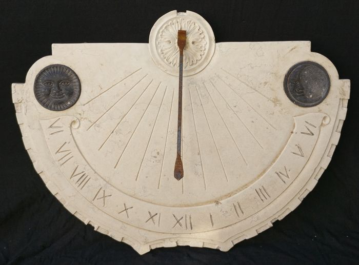 Sundial in Asiago Biancone marble with Belgian Black marble inlays - Venice, Italy - 20th century