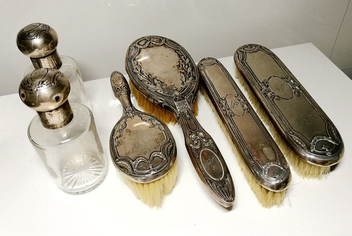 Antique set of 4 brushes in Silver and 2 Crystal perfume bottles Italy, late 19th/early 20th century