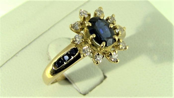 Ring in 18 kt gold - sapphires and diamonds - size 21 - Free resizing S/N