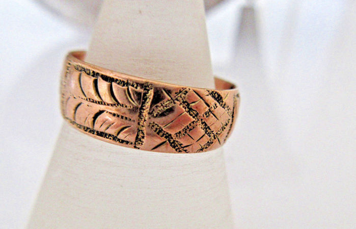 Antique ring, rose gold 375 - 3.6 g circa 19th century, engraved rose gold, hallmarked