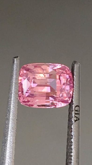Pink sapphire - 1.52 ct