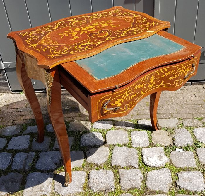 Mahogany table with fine intarsia and desk pull-out leaf - France - early 20th century