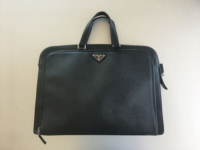 35648567bcf4 Prada - Saffiano Leather Briefcase - Catawiki