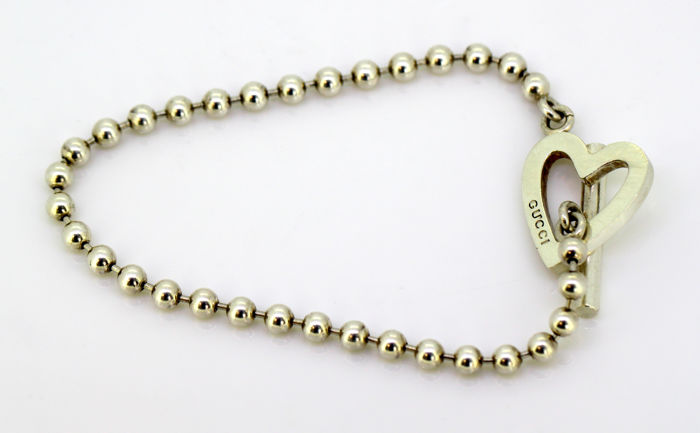 64f1b53f8808a Gucci - Vintage silver bracelet with heart charm