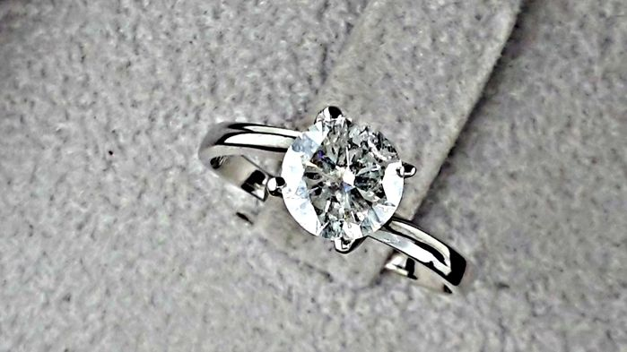 1.04 Ct Round Solitaire Diamond Engagement Ring in Solid White Gold 14k *** NO RESERVE PRICE ***