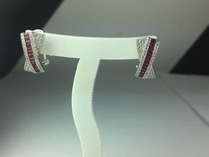 18 kt white gold earrings, baguette cut rubies for  0.91 ct, diamonds for  0.40 ct