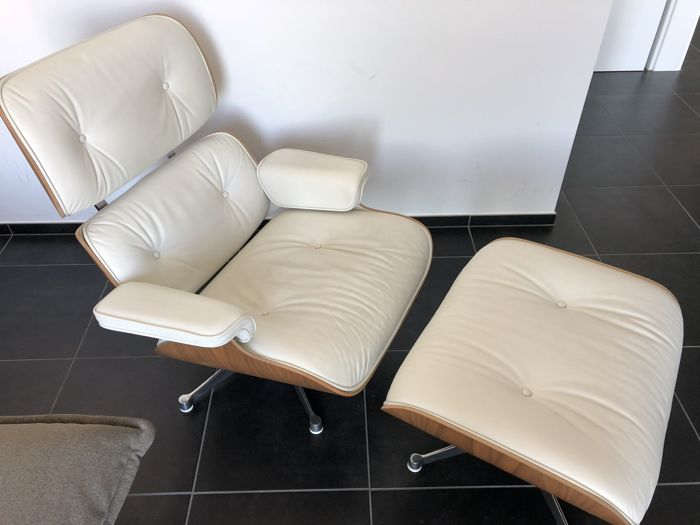 Astonishing Charles Ray Eames By Vitra Lounge Chair In White Leather Plus Ottoman Catawiki Caraccident5 Cool Chair Designs And Ideas Caraccident5Info