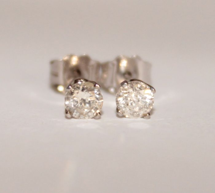 14 kt White gold earrings with Diamonds of 0.30 ct ***No reserve price***