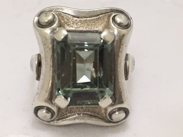Silver Art Deco ring with an emerald cut synthetic spinel - ring size 17 mm