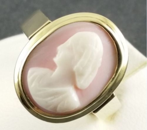 Cameo gold ring - 585 yellow gold - pink coral - size 54