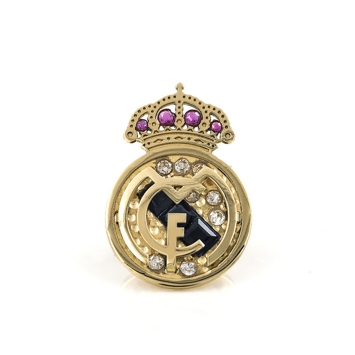 Yellow gold Real Madrid emblem badge with inlays of 8 brilliant cut diamonds of 0.20 ct in total, 4 rubies and 3 sapphires