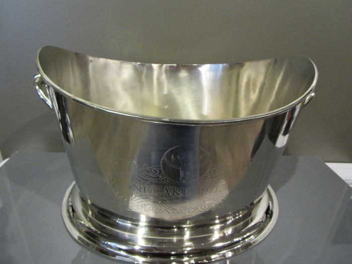 Heavy oval ice-bucket with handles and inscription 'Pinelake Lodge' - Frankrijk - fits 4 bottles easily - 4 Botella (0,75 L)