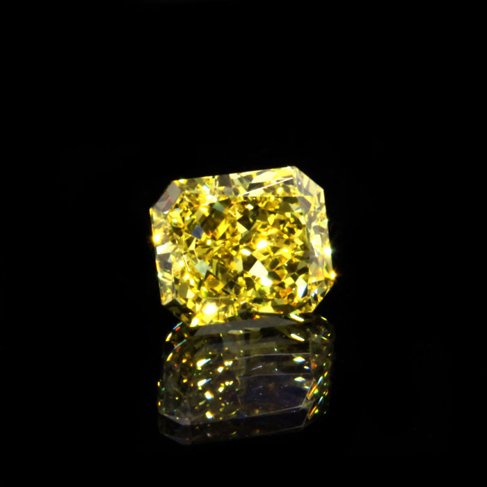 1.26 Ct. Natural Fancy Vivid Yellow VS1 Radiant shape Diamond, GIA certified